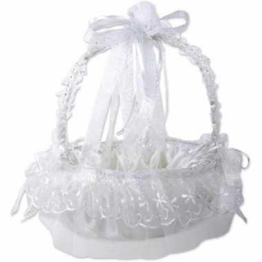 Rozenblaadjes mandje bruiloft wit